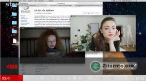 Videohovor Amálie s jejích kamarádkou v seriálu Semestr