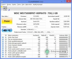 CrystalDiskInfo s informacemi o stavu disku a S.M.A.R.T. hodnotách