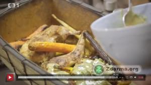 Králík pečený s kořenovou zeleninou z dílu Ze sklepa